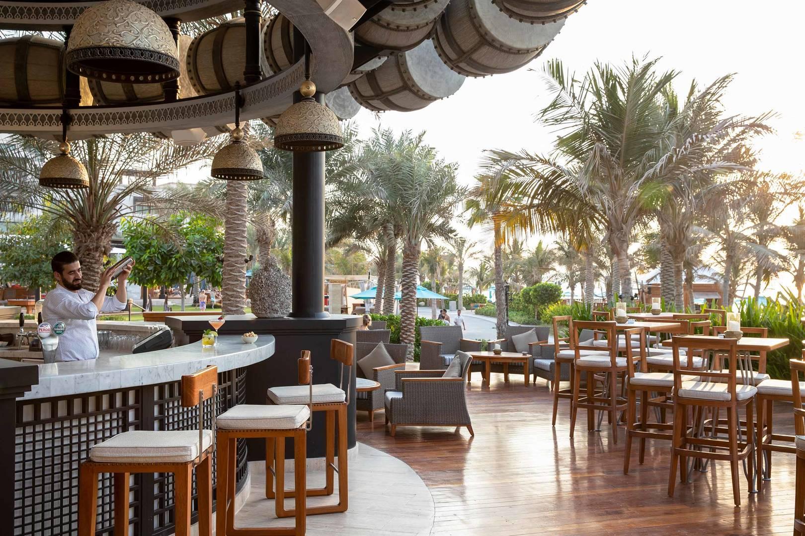 Jumeirah Al Naseem Rockfish Drum Bar Exterior_6-4