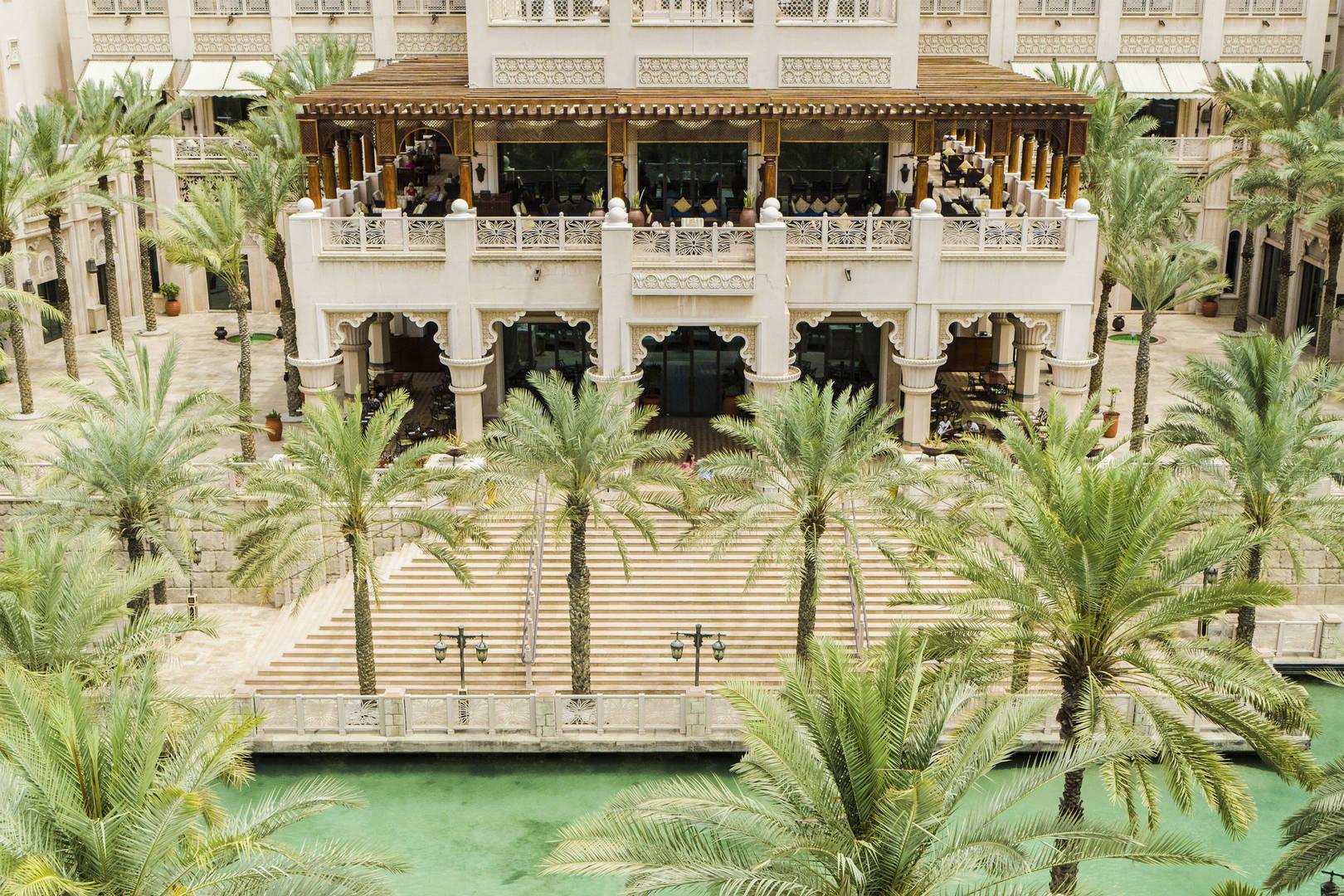Дубай алькасар дом на берегу моря дубай