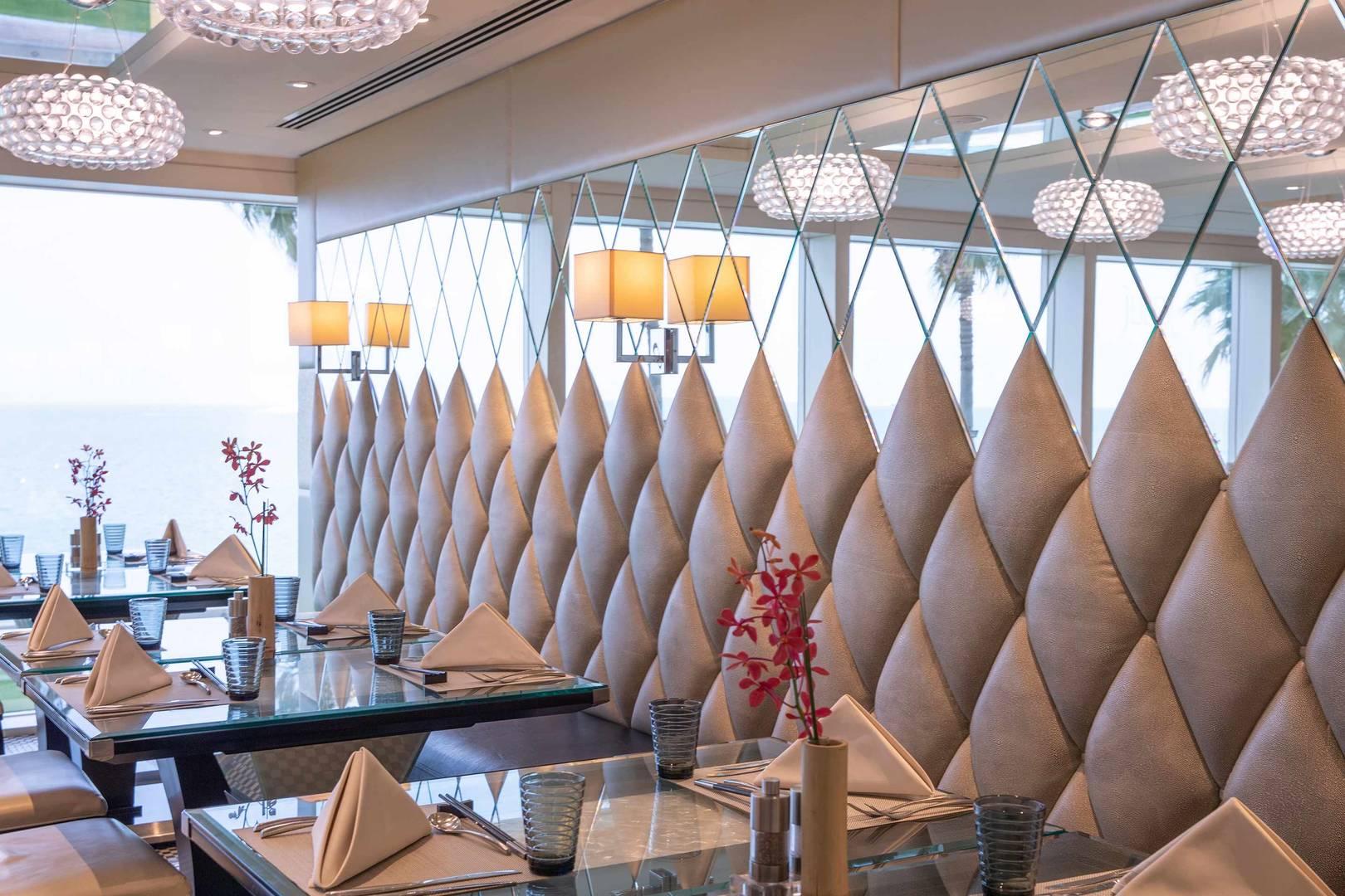 التصميم الداخلي لمطعم جونسوي في جميرا برج العرب