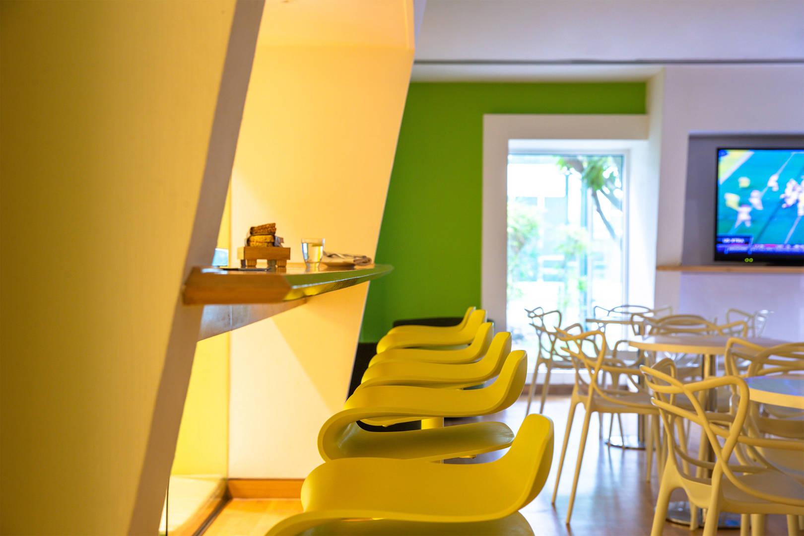 Интерьер ресторана Plumeria в отеле Jumeirah Creekside Hotel