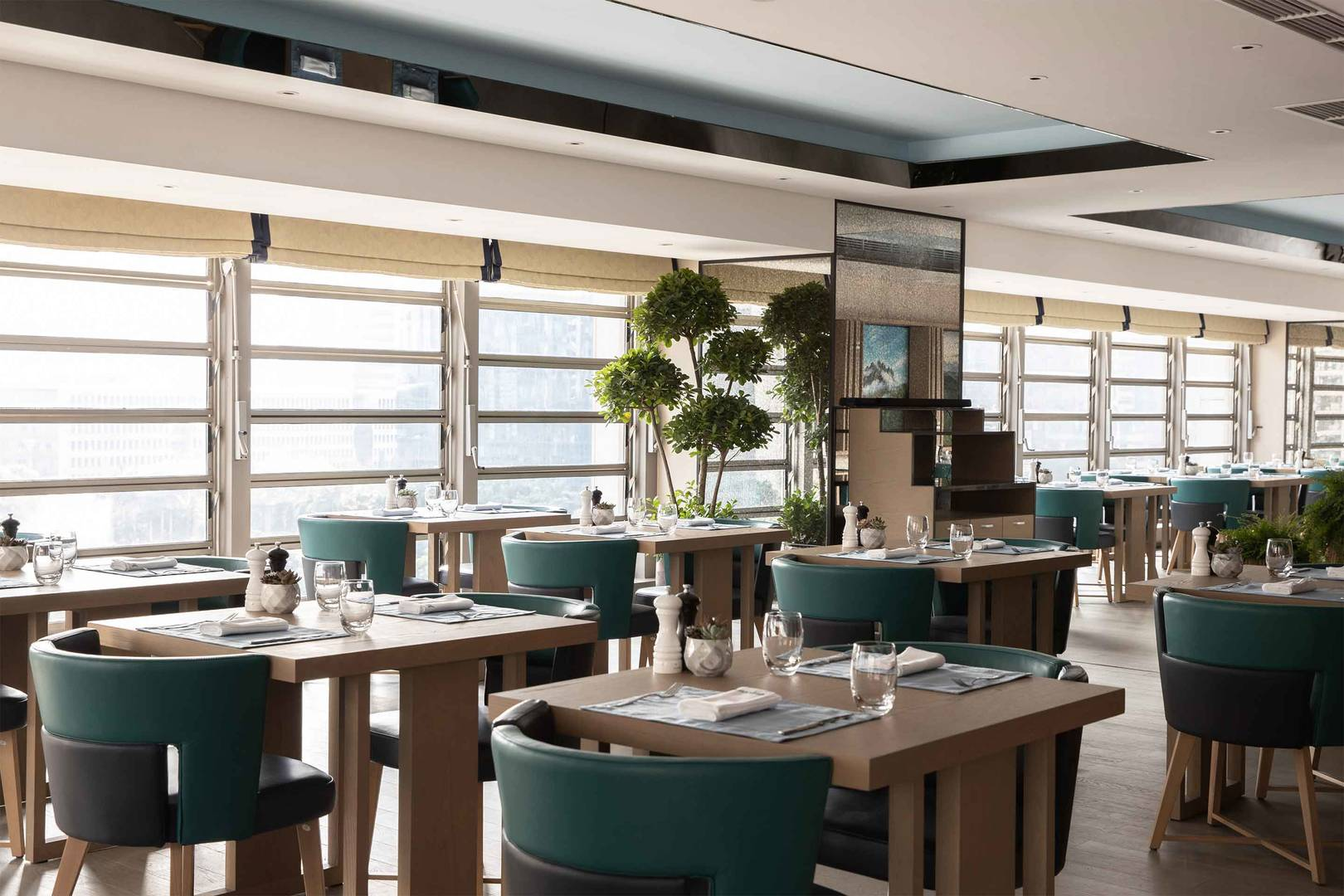 6-4 Hero - JUMEIRAH LIVING GUANGZHOU - TING RESTAURANT AND LOUNGE